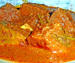 Wattakka Kalu Pol (Pumpkin Curry)